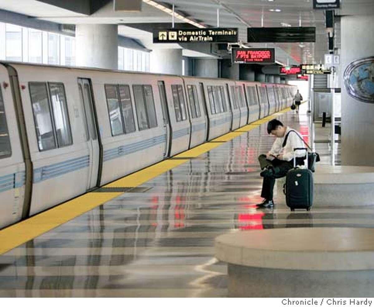 Story on lack of BART ridership to SFO in San Francisco 6/29/05 Chris Hardy / San Francisco Chronicle