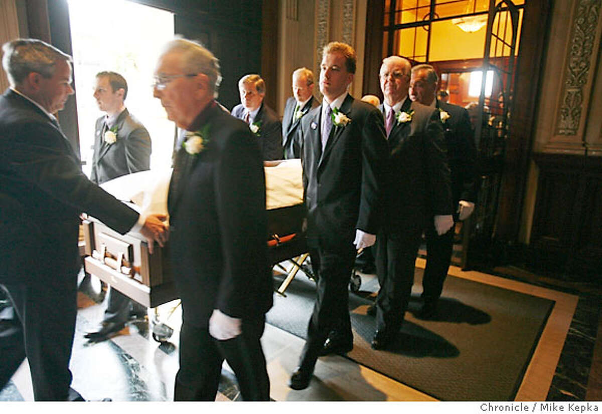 Pallbearers carry the casket of former Lt. Governor Leo T. McCarthy Friday 2/9/07 at the start of funeral services held at St. Ignatius Church in San Francisco, Calif. Mike Kepka / The Chronicle (cq)