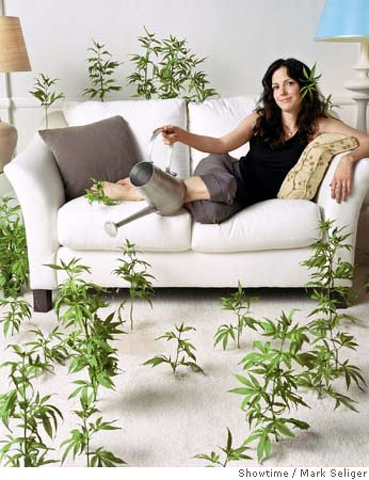 Mary-Louise Parker as Nancy Botwin Photo: Mark Seliger/Showtime Photo ID: Weeds_Presskit_WW4