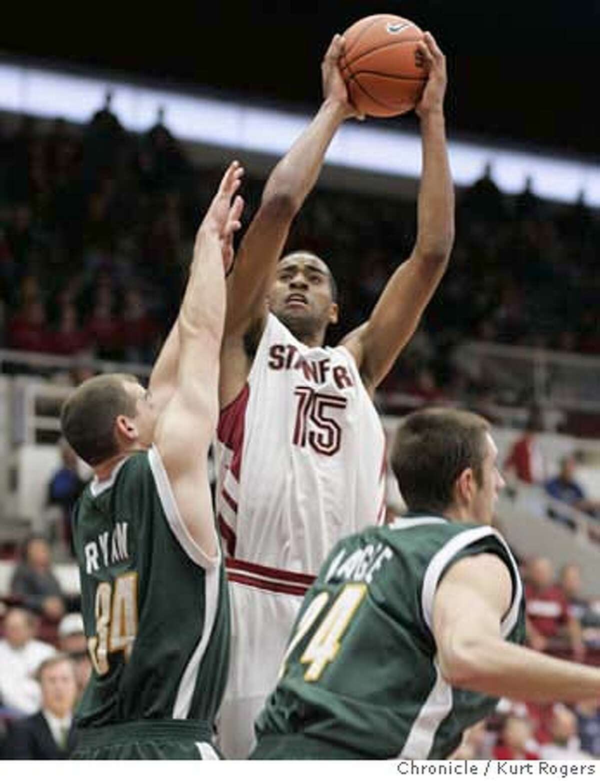 Lawrence Hill up for two in the 1st period of play Stanford Men's Basketball vs the Siena Saints at Maples Pavilion.Saturday November 11, 2006 KURT ROGERS/THE CHRONICLE PALO ALTO THE CHRONICLE SFC STANFORD12_0236_kr.jpg MANDATORY CREDIT FOR PHOTOG AND SF CHRONICLE / -MAGS OUT