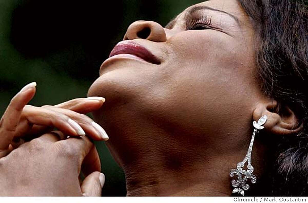LIVELY03_115_mc.jpg S.F. OPERA AT STERN GROVE. Mezzo-Soprano Denyce Graves sings at performance. Photograph by Mark Costantini/S.F. Chronicle. MANDATORY CREDIT FOR PHOTOG AND SF CHRONICLE/ -MAGS OUT
