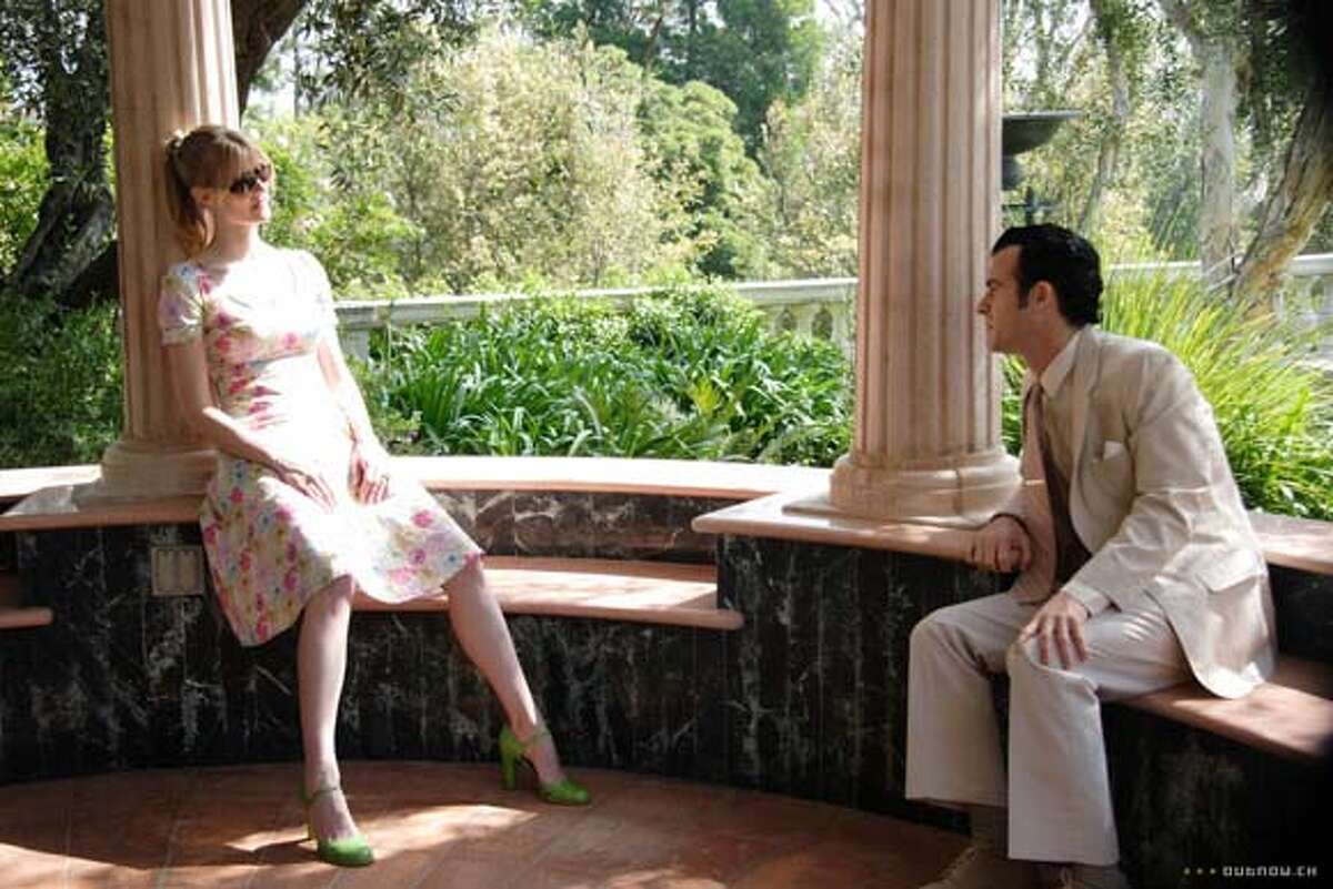 �Laura Dern and Justin Theroux in