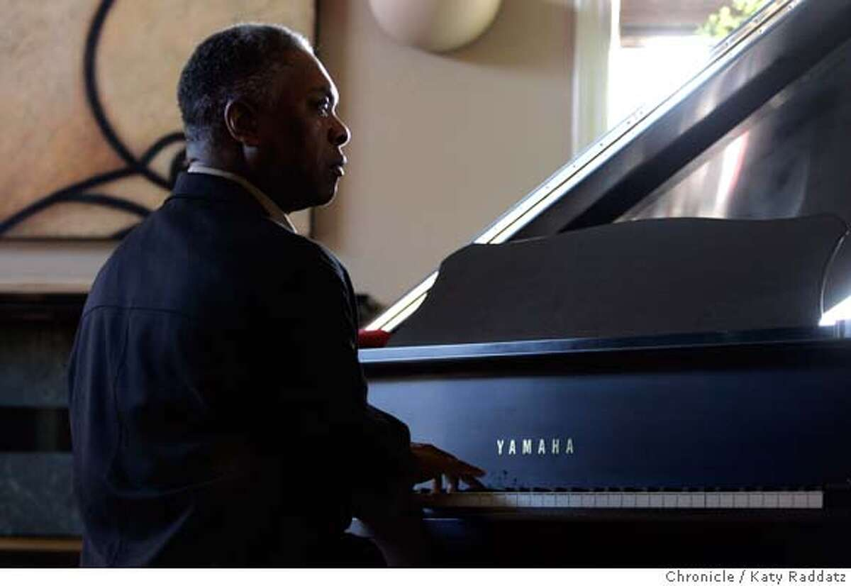 SHOWN: Booker T. Jones at the piano in his lovely house in Tiburon, CA. Joel Selvin is the writer, for Datebook. These pictures were made on Sunday, Jan. 28, 2007, in Tiburon, CA. (KATY RADDATZ/SFCHRONICLE) **Booker T. Jones