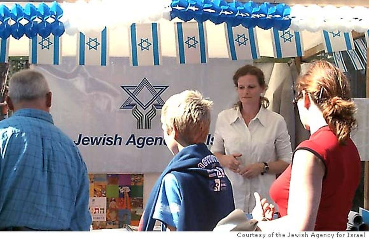 Jewish Agency activity with Jewish community members in Germany. Photo: Courtesy of the Jewish Agency for Israel