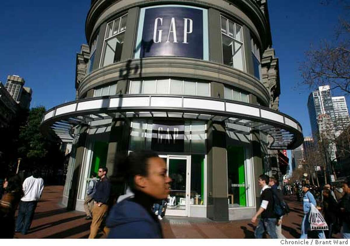 gap008.JPG Photos of the Gap store at Market and Powell Streets in San Francisco. The company has hired an investment broker to consider a sale. {Brant Ward/San Francisco Chronicle}1/8/07 Ran on: 01-09-2007 The Gaps flagship store is at Powell and Market streets in San Francisco, down the block from Old Navy. Ran on: 01-09-2007 The Gaps flagship store is at Powell and Market streets in San Francisco, down the block from Old Navy. Ran on: 02-04-2007 The Gap store at Market and Powell streets may be the clothing retailers flagship store, but one 40-year-old woman wont be coming in until she can find a decent pair of khakis and a crisp white blouse that fits.