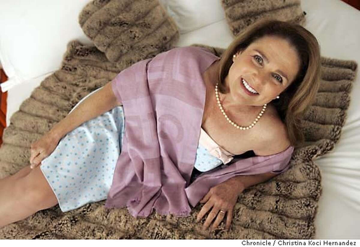 CHRISTINA KOCI HERNANDEZ/CHRONICLE We shoot Tovah Feldshuh in profile at the Clift Hotel Tovah is in town promoting her play Golda's Balcony based on the life of Israeli prime minister Golda Meir