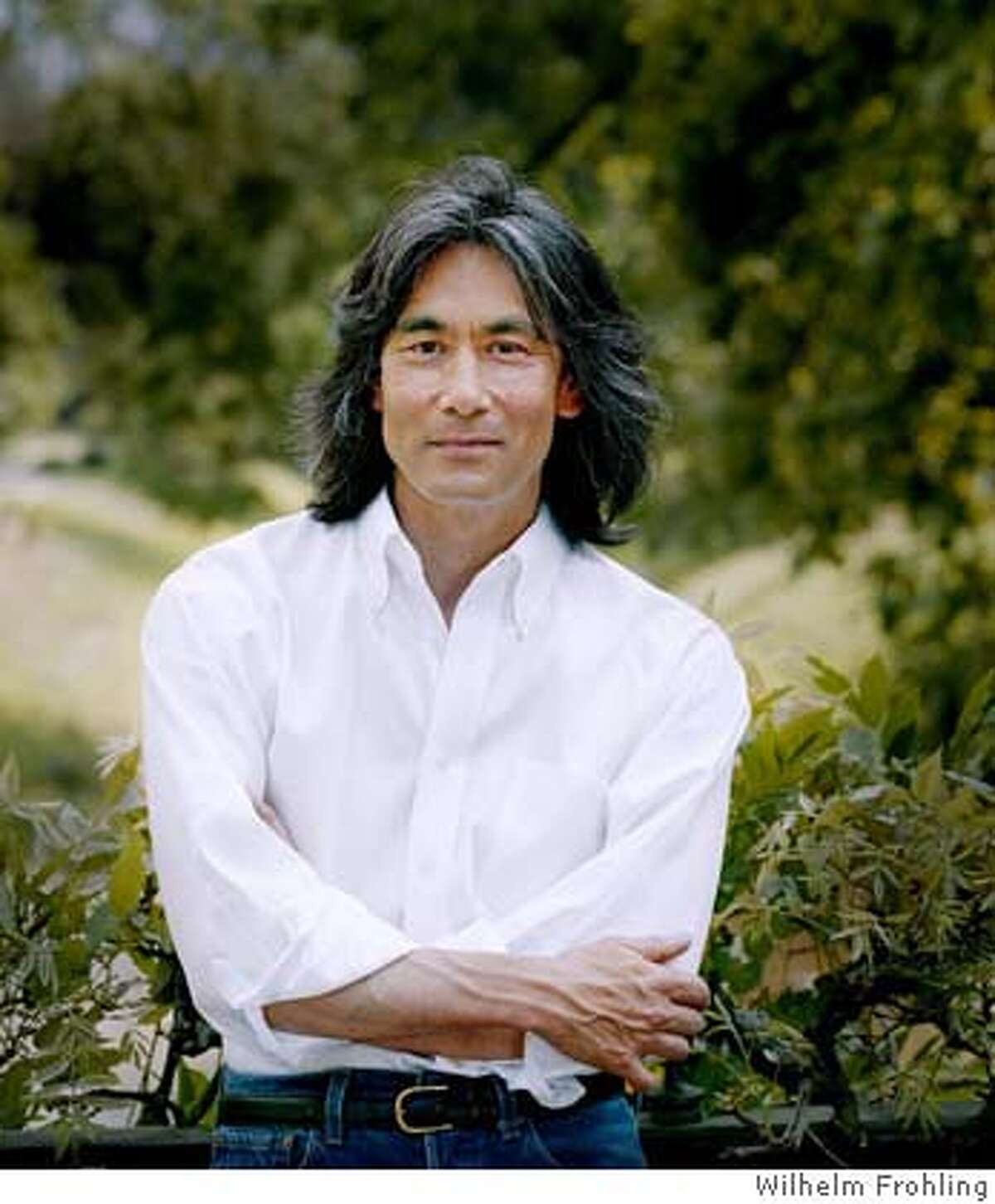 Photo of conductor Kent Nagano. Credit: Wilhelm Frohling and Blick in die Landschaft