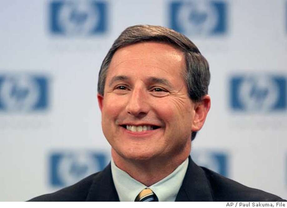 Hewlett-Packard Co. new president and CEO Mark Hurd gives a news conference at HP headquarters in Palo Alto, Calif., Wednesday, March 30, 2005. Hurd was a longtime NCR Corp. CEO and president. (AP Photo/Paul Sakuma) Ran on: 04-03-2005 Ran on: 04-03-2005 Ran on: 06-15-2005  Mark Hurd, HP's CEO, sold shares in March, raising questions of insider trading. Photo: PAUL SAKUMA