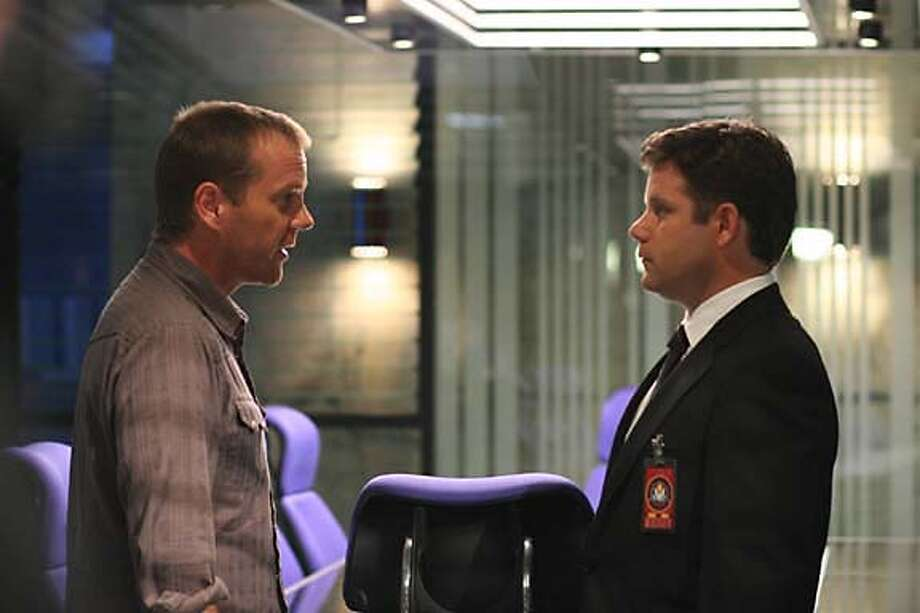 24: Jack (Kiefer Sutherland, L) and Lynn (Sean Astin, R) work together in the �Day 5: 11:00 AM-12:00 PM� episode that aired on Monday, Jan. 23 (9:00-10:00 PM ET/PT) on FOX. �2006 Fox Broadcasting Co. Cr: Kelsey McNeal/FOX� Photo: Fox