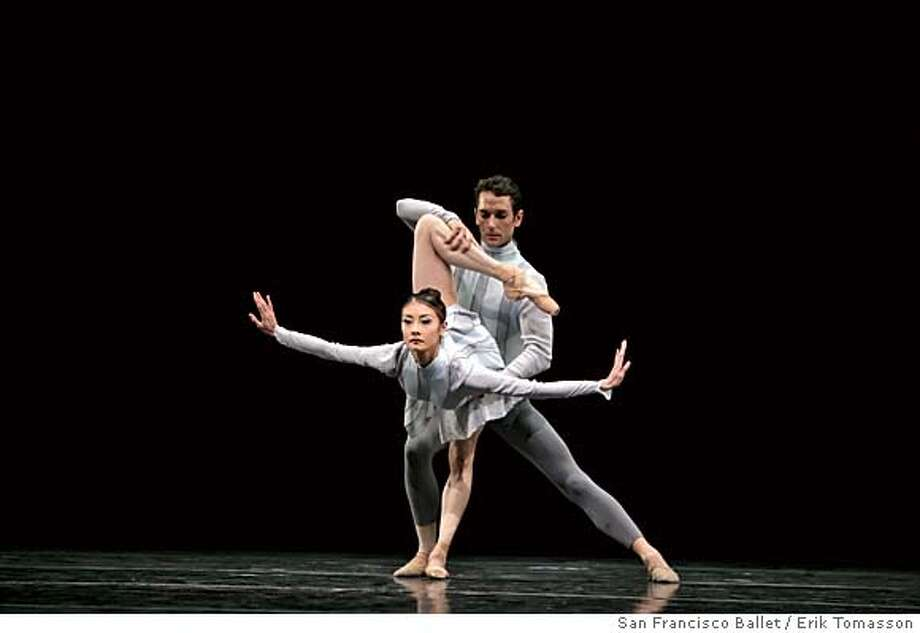 Yuan Yuan Tan and Damian Smith  in Wheeldon's Quaternary. Credit: � Erik Tomasson / San Francisco Ballet Photo: Erik Tomasson