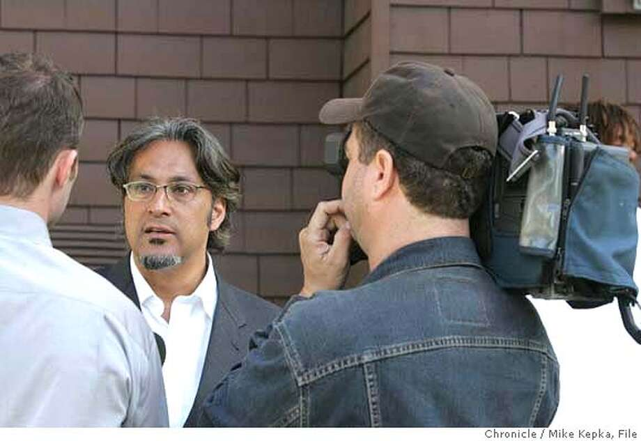"murder079_mk.JPG  San Francisco Supervisor Ross Mirkarimi talks to the media about yet another murder in his district as San Francisco Police Officers investigate a shooting that killed Antoine ""Slim"" Green on McAllister Street near Webster Street in San Francisco, CA on Friday June 2, 2006. Mike Kepka / THe Chronicle **Antoine ""Slim"" Green (cq) sources at the scene. Ross Mirkarimi  Ran on: 11-14-2006  Police Chief Heather Fong wants captains to have say-so in what beats officers walk.  Ran on: 11-14-2006  Police Chief Heather Fong wants captains to have say-so in what beats officers walk. MANDATORY CREDIT FOR PHOTOG AND SF CHRONICLE/ -MAGS OUT Photo: Mike Kepka"