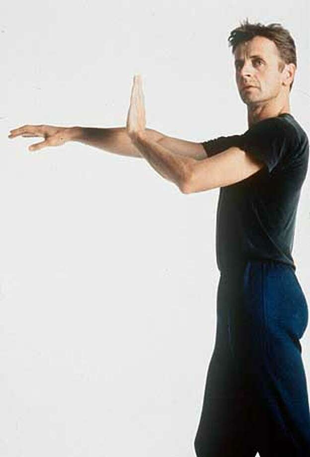 "IN THE WHITE OAK DANCE PROJECT'S 'SOLOS - WITH MUSIC AND WITHOUT"" / DANCE/BALLET. ALSO RAN: 06/04/1999 Photo: HANDOUT"
