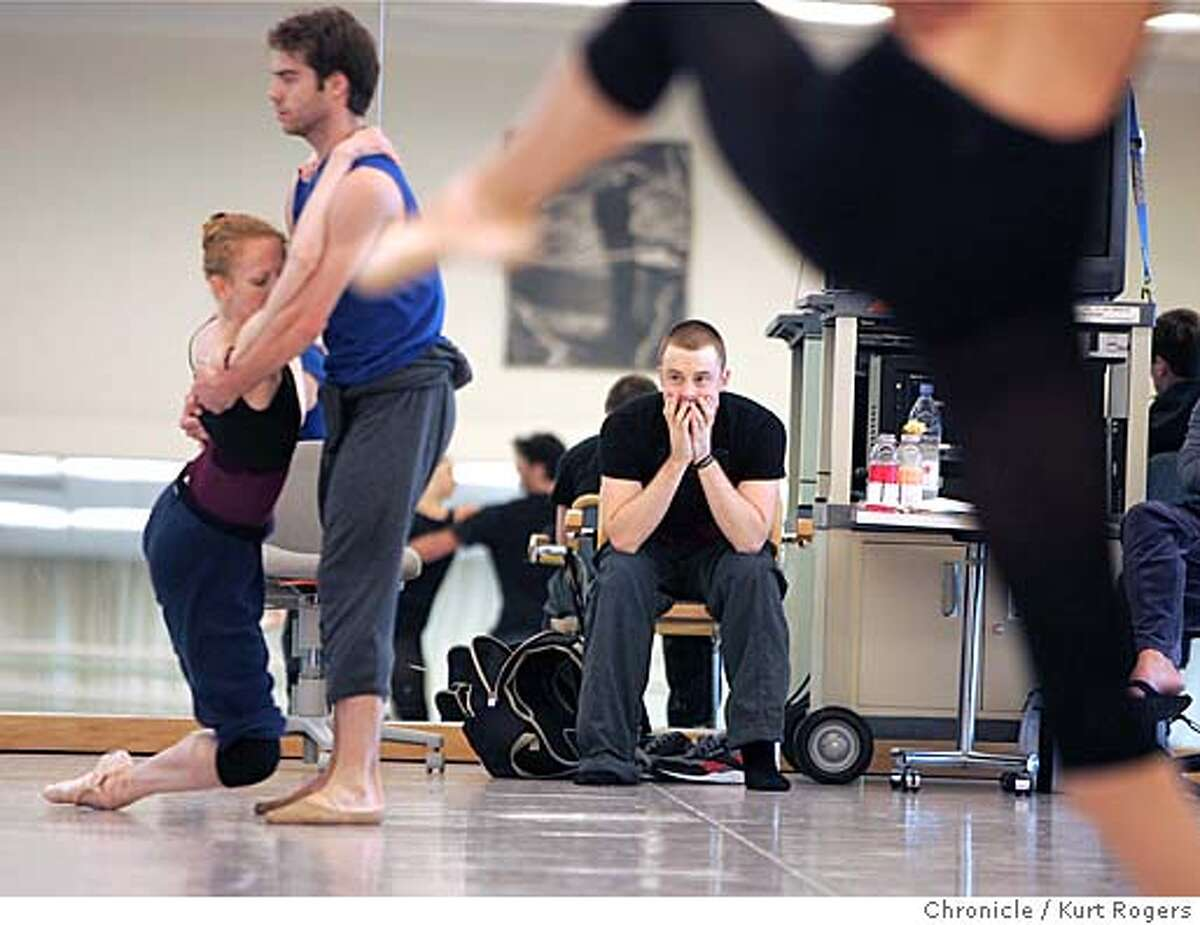 Christopher Wheeldon working with dancers for new dance that will make its premiere in Paris in july.Dancers Katita Waldo and Gonzalo Garcia WHEELDON_0140_kr.JPG 6/8/05 in San Francisco,CA. KURT ROGERS/THE CHRONICLE MANDATORY CREDIT FOR PHOTOG AND SF CHRONICLE/ -MAGS OUT
