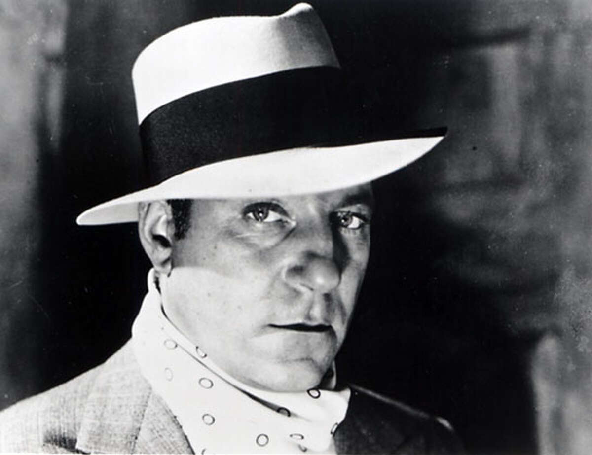 THIS IS A HANDOUT IMAGE. PLEASE VERIFY RIGHTS. PEPE16B-B-13AUG02-DD-HO JEAN GABIN AS PEPE LE MOKO IN JULIEN DUVIVIER'S FRENCH GANGSTER CLASSIC Ran on: 01-09-2005 Cate Blanchett (in The Aviator): deserves good roles.