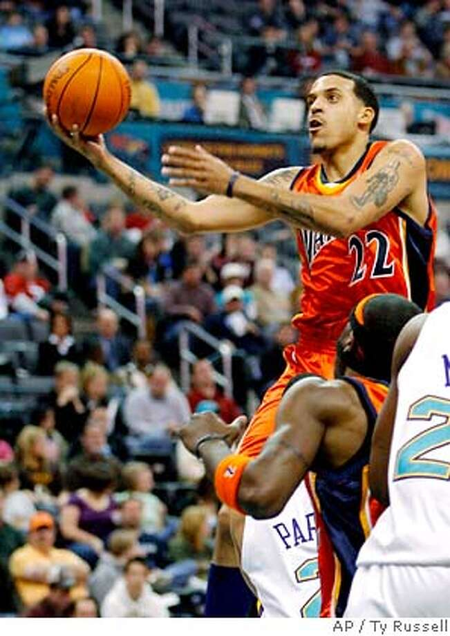 Golden State Warriors forward Matt Barnes (22) shoots the ball against the New Orleans Hornets in the first half of an NBA basketball game Tuesday, Jan. 2, 2007, in Oklahoma City. Warriors won 97-89. Barnes scored 29 points. (AP Photo/Ty Russell) Photo: TY RUSSELL