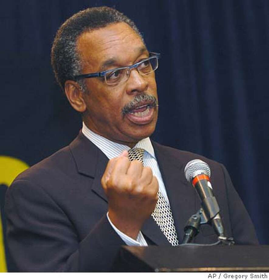 Bruce Gordan speaks during a news conference, Saturday, June 25, 2005 in Atlanta, after the Board of Directors of the National Association for the Advancement of Colored People (NAACP) selected Gordan as its next president and CEO. Gordon 59, previously served as president of retail markets at Verizon Communications, starting out as a management trainee in 1968 and rising through the ranks over the course of his 35 years with the company. (AP Photo/Gregory Smith) Ran on: 06-26-2005  Bruce Gordon speaks to the NAACP board after being elected president of the group. Photo: GREGORY SMITH