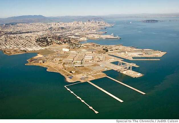 The Hunters Point area of San Francisco California on October 19, 2006. Photo: Photo By Judith Calson