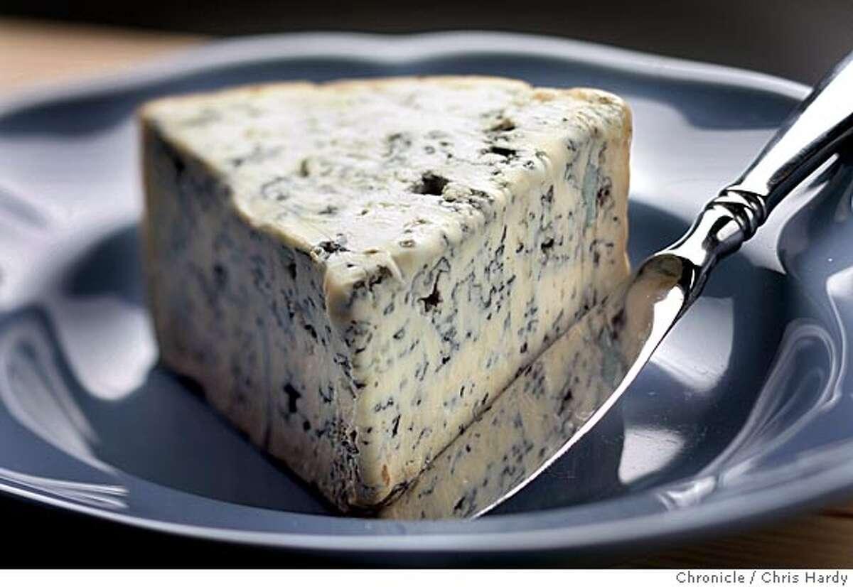 Bleu d'Auvergne cheese in San Francisco 6/2/05 Chris Hardy / San Francisco Chronicle