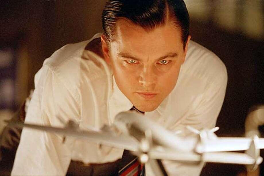 Leonardo Dicaprio as Howard Hughes in Martin Scorsese's THE AVIATOR. Datebook#Datebook#SundayDateBook#12/12/2004#ALL#Advance##0422495044 Photo: Miramax Films