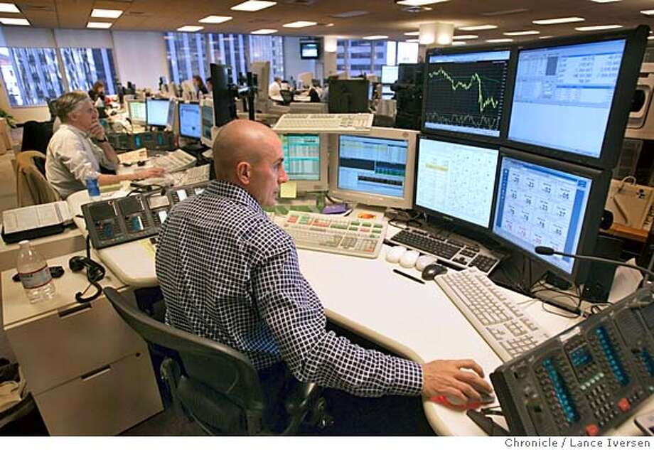 Banking's soldiers of fortune / Foreign exchange traders on front