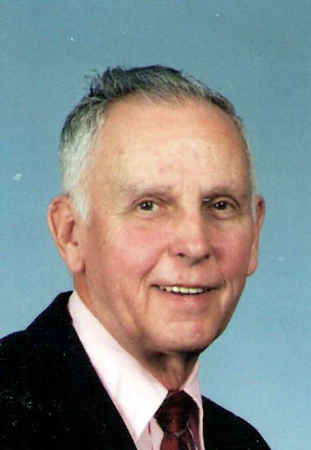 """Thomas """"Tommy"""" Newton Maddox, who was better known as """"Coach,"""" worked for the Edgewood Independent School District as a teacher and football, basketball and baseball coach for 32 years. He served as the district's athletic director for 20 of those years. Maddox died Monday of Alzheimer's disease. He was 84."""