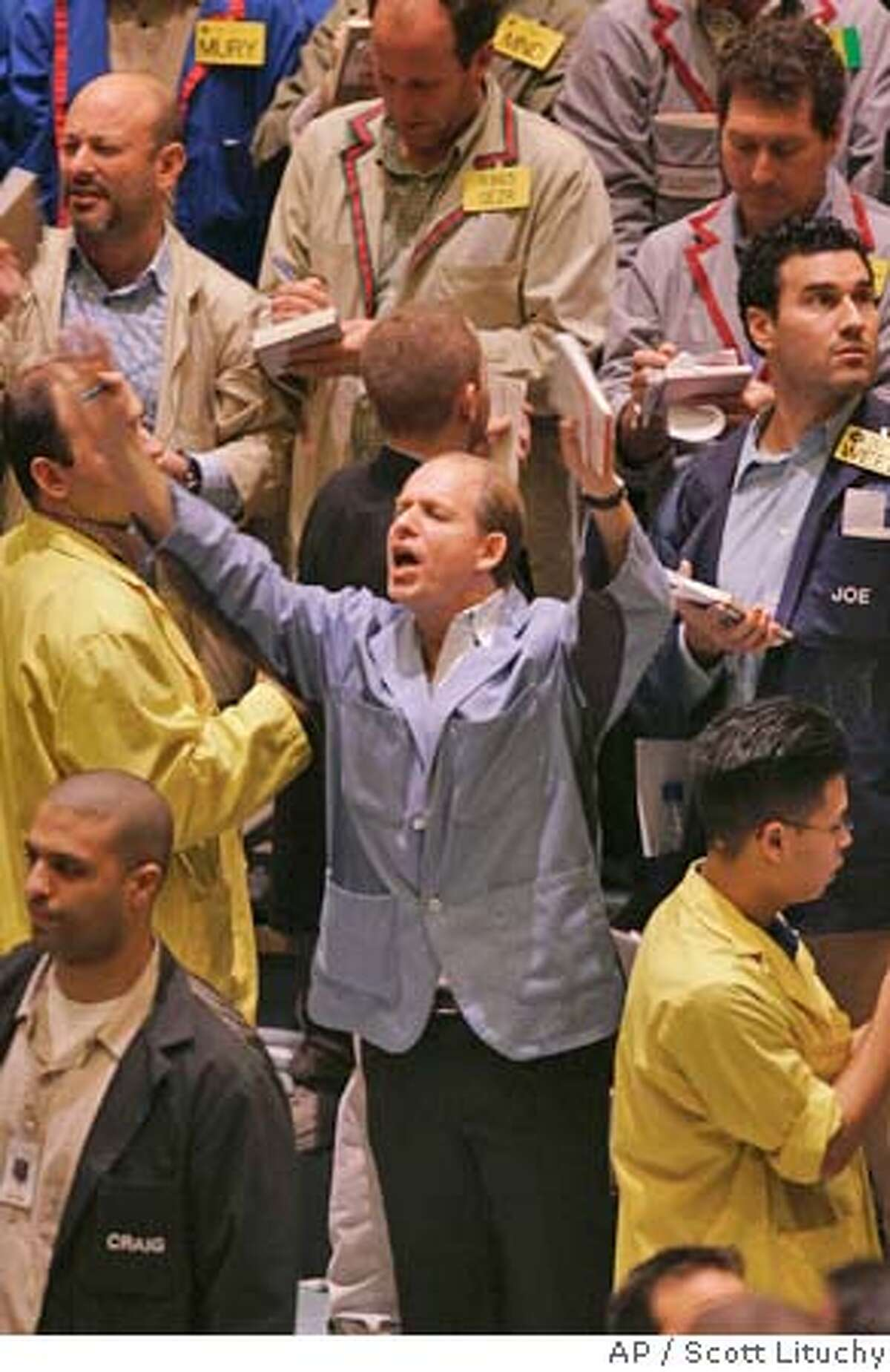 Trader Beau Roffman has survived 20 years in the crude oil futures pit of the New York Mercantile Exchange. SEE ``OIL-TRADERS'' (Newhouse). (Photo by Scott Lituchy) Business#Business#Chronicle#11/21/2004#ALL#2star#Dx#0422471779