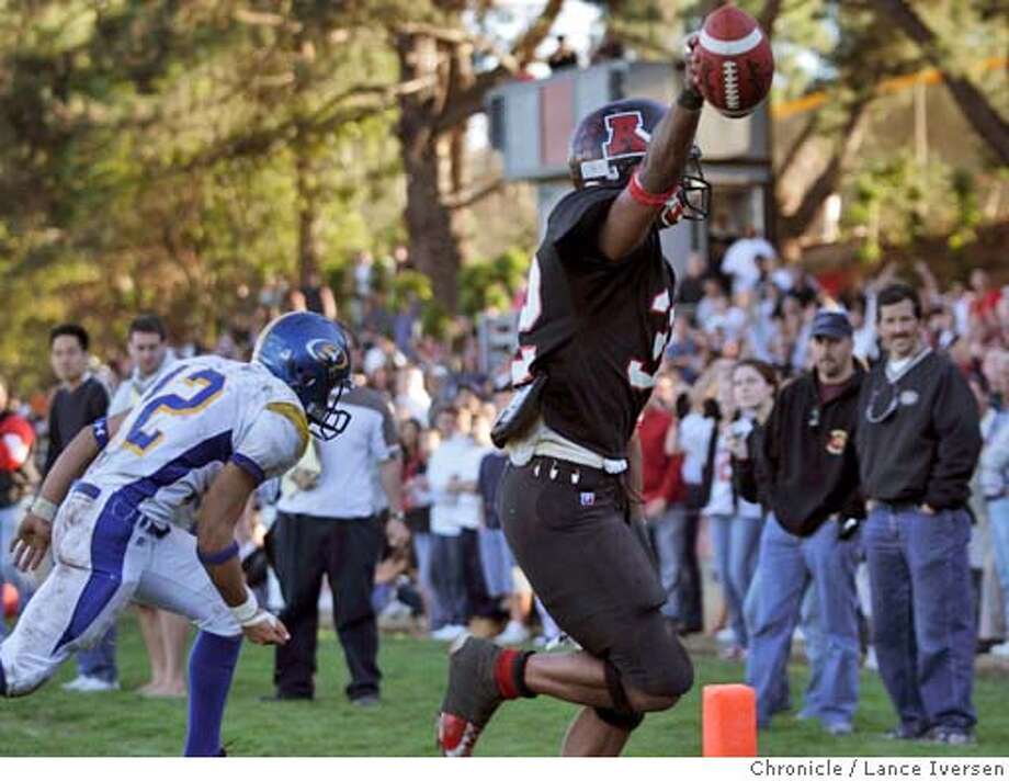 CCS21228.jpg_  High School football: Serra at Aragon in CCS (Central Coast Section) playoffs. Aragon's #32 Dominic Williams scampers into the end zone to score what was later determined the winning TD in OT. By Lance Iversen/San Francisco Chronicle MANDATORY CREDIT PHOTOG AND SAN FRANCISCO CHRONICLE. Sports#Sports#Chronicle#11/21/2004#ALL#5star##0422477596 Photo: Lance Iversen