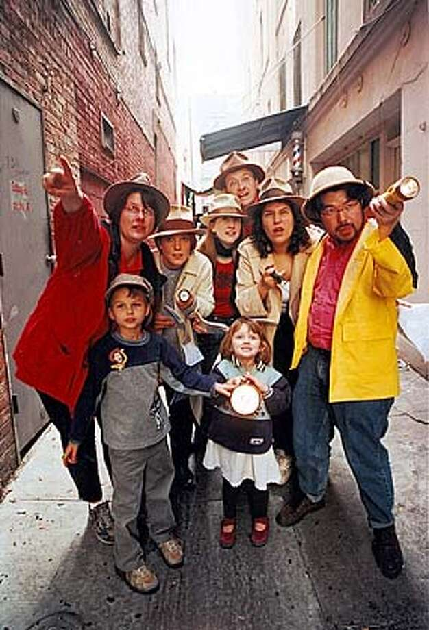Jason Wechter's Chinese New Year Treasure Hunt  Febuary 15, 2003 at 5pm  Photo:Players exploring SF's Chinatown