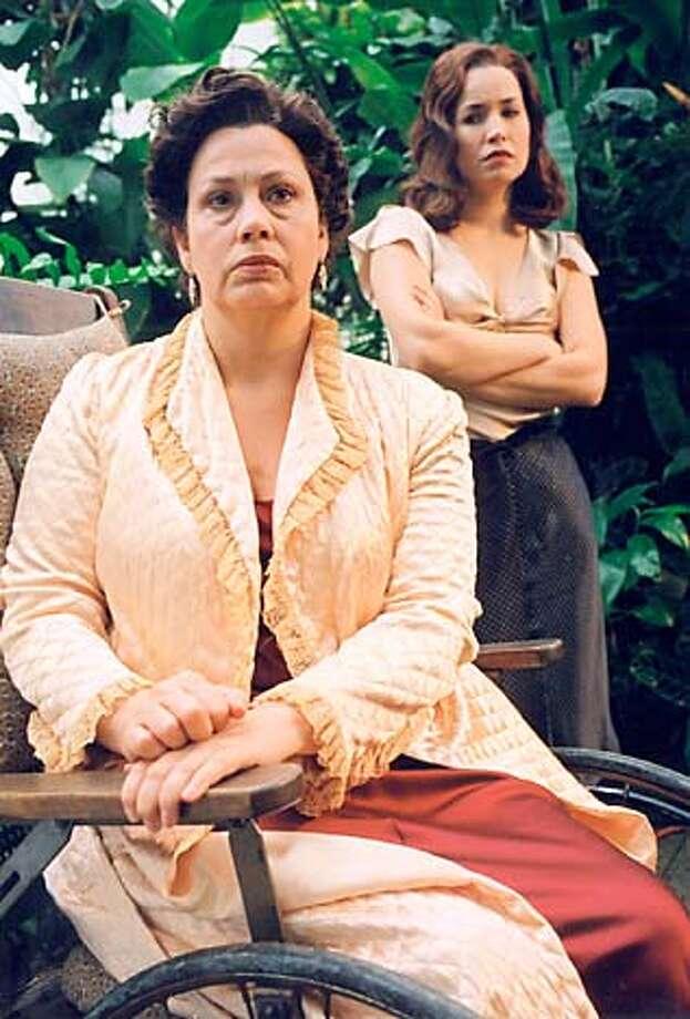 "Randy Danson and Michelle Duffy in Berkeley Rep's ""Suddenly Last Summer."" Photo by Ken Friedman"