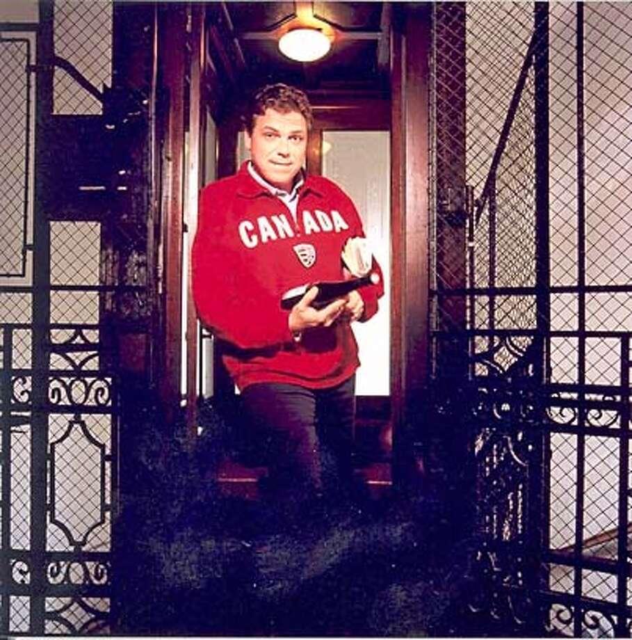 Photo of German-Canadian tenor Michael Schade. Datebook#Datebook#Chronicle#11/16/2004##Advance##0422464408 Photo: JOHANNES IFKOVITS