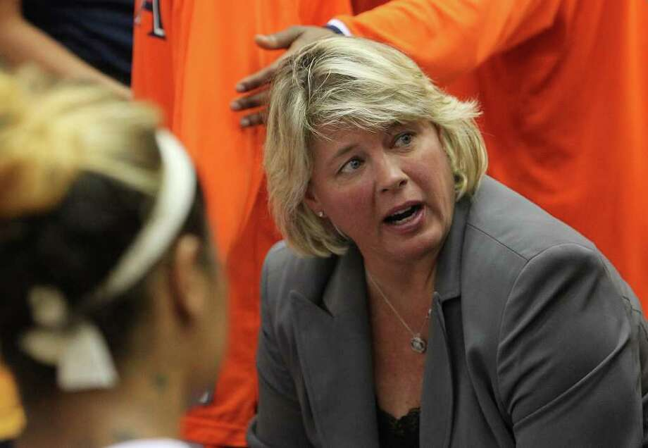 UTSA women's basketball coach Rae Rippetoe-Blair talks with her team during a timeout in a game against Texas State at UTSA on Saturday, Jan. 21, 2012. Kin Man Hui/San Antonio Express-News. Photo: ~