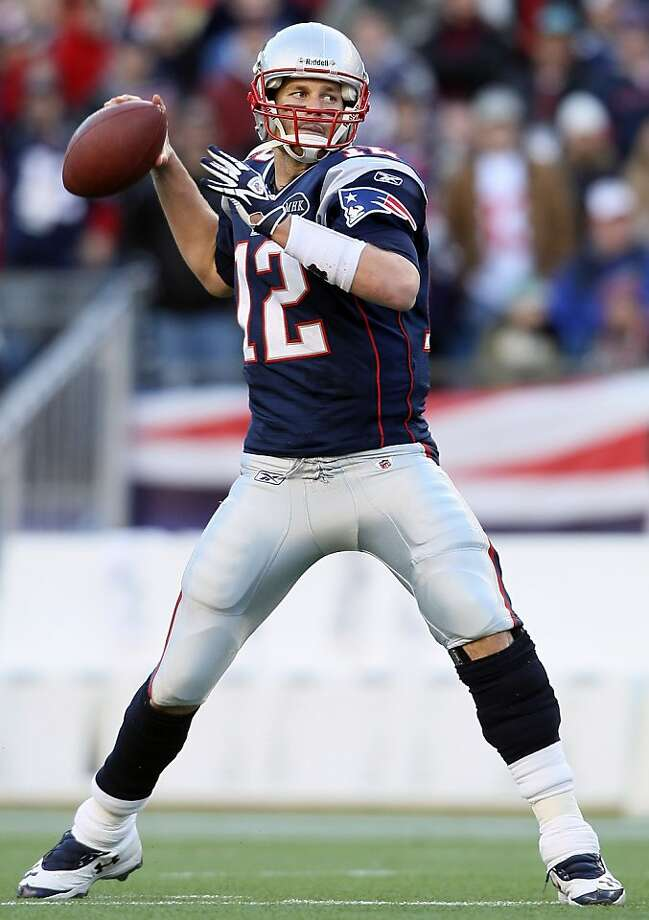 FOXBORO, MA - JANUARY 01:  Tom Brady #12 of the New England Patriots passes the ball in the second half against the Buffalo Bills on January 1, 2012 at Gillette Stadium in Foxboro, Massachusetts.  (Photo by Elsa/Getty Images) Photo: Elsa, Getty Images