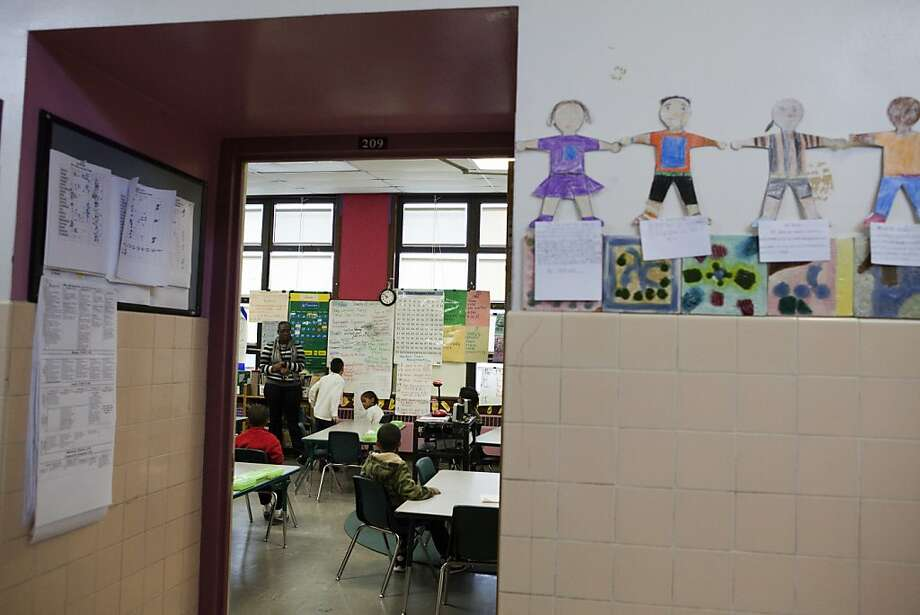Latrice Simmons guides her 3rd grade class in a word exercise at Star King Elementary on Friday, January 20, 2011 in San Francisco, Calif. Photo: Dania Maxwell, Special To The Chronicle
