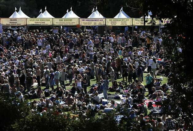 Thousands of music lovers crowd onto Speedway Meadow at Golden Gate Park for the second day of the annual Hardly Strictly Bluegrass music festival in San Francisco on Saturday. Photo: Paul Chinn, The Chronicle