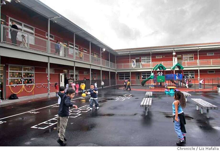 Bessie Carmichael Elementary finally opens at its new spot South of Market at 375 7th St.  � Shot on 11/10/04 in San Francisco. LIZ HAFALIA/The Chronicle Photo: Liz Hafalia