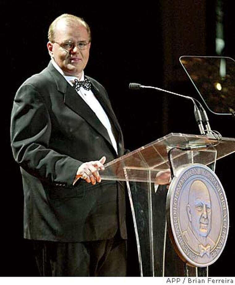 Text: (PFEATURES) The James Beard Foundation President Len Pickell speaks at the James Beard Awards held at the Marriott Marquis Hotel in New York. Photo by Brian Ferreira/APP Staff, May 5th 2003  ��������������������������������  Digital Collections/IPTC Date Shot=20030505; Ran on: 05-04-2005  Photo caption