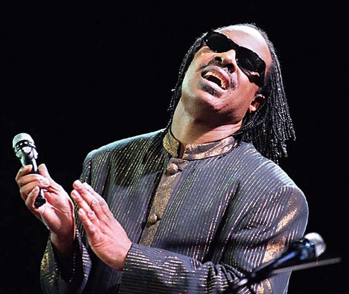STEVIE WONDER AT THE PARAMOUNT THEATRE CAT