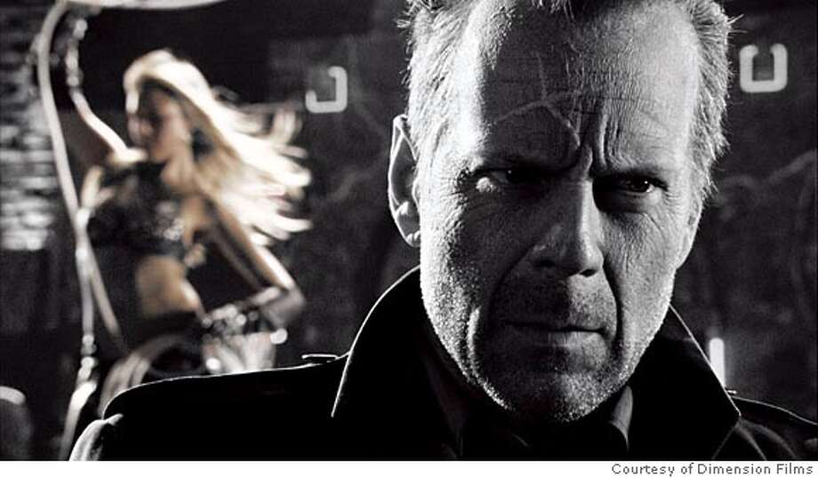 SIN01_02.JPG Jessica Alba as Nancy and Bruce Willis as Hartigan in Frank Miller's Sin City (Photo courtesy of Dimension Films)