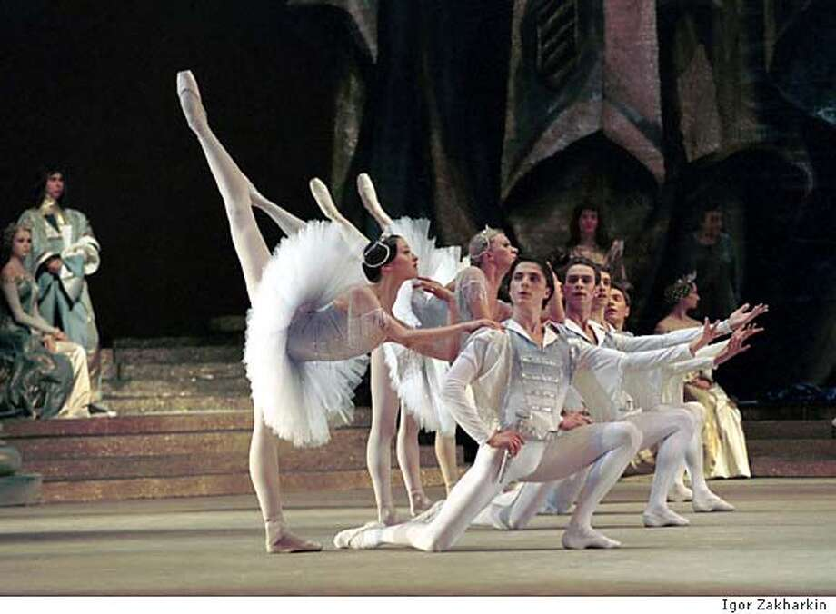 Members of the Bolshoi Ballet in Raymonda.� The legendary company returns to Cal Performances with the Bolshoi Orchestra to perform two evening length ballets: a new production of Romeo and Juliet (Nov. 3 & 4) and Raymonda (Nov. 5-7).  Photo: Igor Zakharkin Datebook#Datebook#SundayDateBook#10-31-2004#ALL#Advance##0421729290