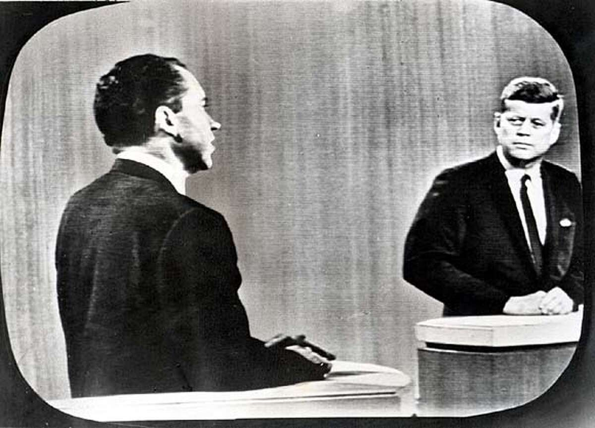 Nixon and JFK in the fourth debate in 1960 on 10/21/04 in . / HO