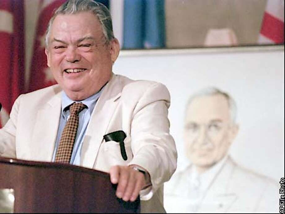 ** FILE ** Pulitzer Prize winning cartoonist Bill Mauldin smiles after receiving the Harry S. Truman Good Neighbor Award in this May 8, 1996 file photo, in Kansas City, Mo. Mauldin, the Pulitzer Prize-winning cartoonist who portrayed World War II reality laced with humor, died of complications from Alzheimer's disease, at a Newport Beach, Calif. nursing home, Wednesday, Jan. 22, 2003. He was 81. (AP Photo/Ed Zurga, File) Photo: ED ZURGA