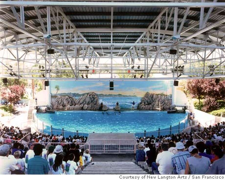 """Dolphin Pool, Marine World, Vallejo, California"" (1999) C-print by Doug Hall. Photo: Courtesy of New Langton Arts, San Francisco Photo: Courtesy Of New Langton Arts, Sa"