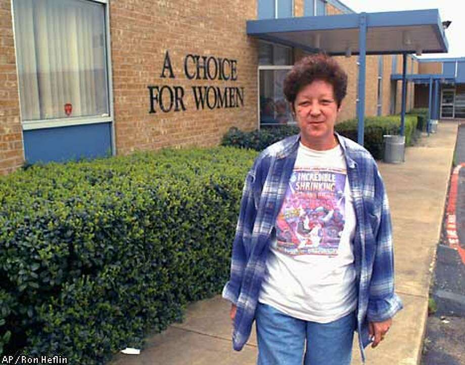 "Norma McCorvey, who was ""Jane Roe"" 30 years ago, worked at A Choice for Women, a Dallas abortion clinic, in 1995. Associated Press photo by Ron Heflin"