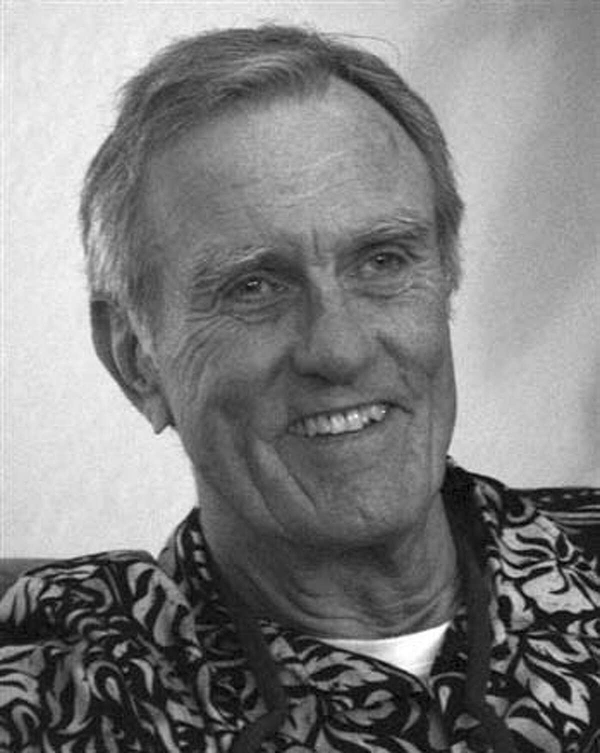 Photo of Donald McCoy, the hippie benefactor, for his Obituary. Metro#Metro#Chronicle#10/24/2004#ALL#5star##0422422013