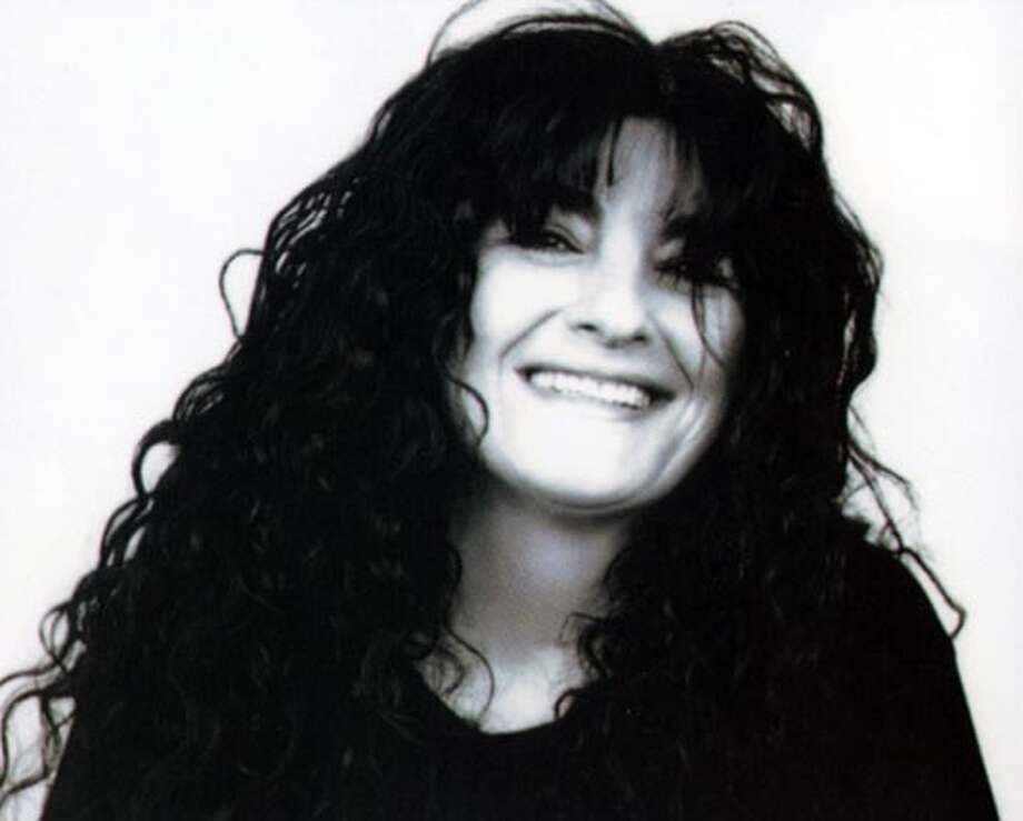 "Ruth Reichl is the editor in chief of Gourmet magazine and the author of the bestsellers ""Tender at the Bone"" and ""Comfort Me with Apples."" She has been the restaurant critic at the New York Times and the food/restaurant critic at the Los Angleles Times. Reichl lives in NYC with her husband and son.  Photo credit Brigitte Lacombe ##Chronicle##ALL##c2#0422803008 BookReview#BookReview#Chronicle#04-17-2005#ALL#2star#c2#0422803008"