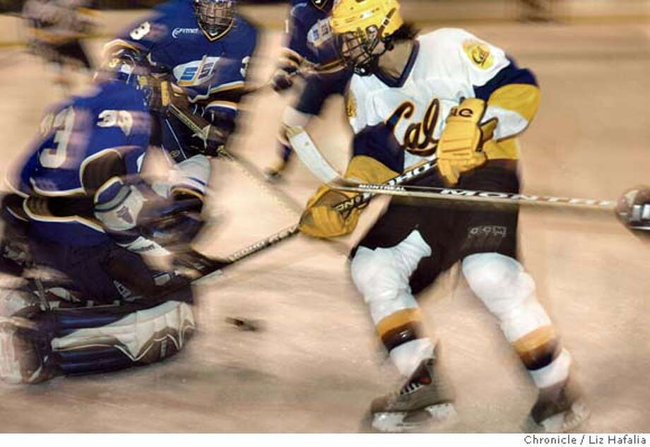 CALHOCKEY_234_LH.JPG Cal's hockey team playing San Jose State at Iceland. Cal's Sean Haq tries to score in the second period.  Shot on 10/14/04 in San Francisco. LIZ HAFALIA/The Chronicle MANDATORY CREDIT FOR PHOTOG AND SF CHRONICLE/ -MAGS OUT Sports#Sports#Chronicle#10/25/2004#ALL#5star##0422414278 Photo: Liz Hafalia