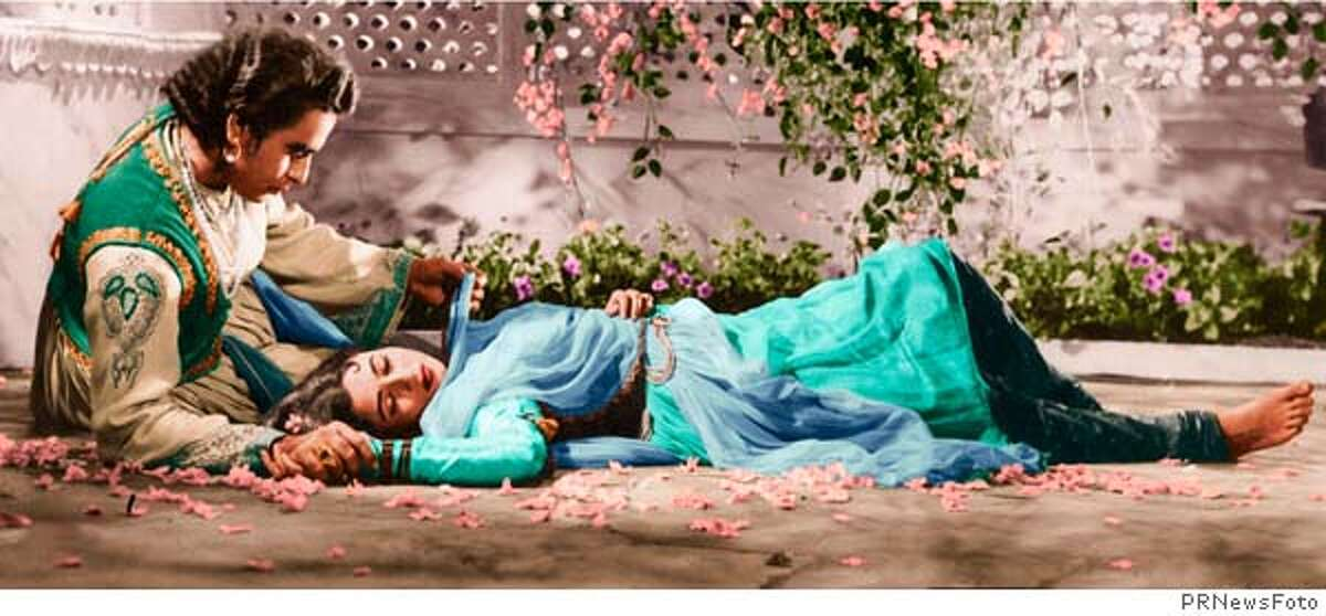 Prince Salim (Dilip Kamar) and Anarkali Maduhubala in the Palace Gardens from India's biggest blockbuster ever - Mughal-E-Azam - the first vintage film colorized for theatrical release. (PRNewsFoto) *XPRN XPFF HFA 9AM* SEE STORY 20050408/LAFRU1, LA (923036)