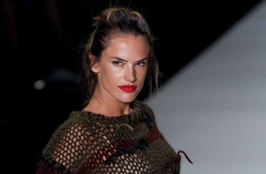 Model Alessandra Ambrosio, who is pregnant, in Colcci Photo: Andre Penner, Associated Press / AP