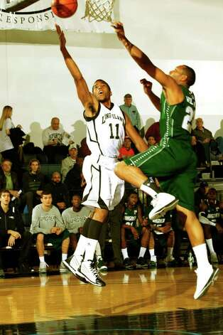 Brandon Thompson action, 2012 LIU Brooklyn vs. Wagner. Photo: Courtesy Photo