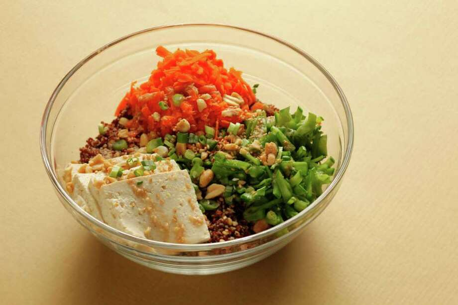 Asian Quinoa Bowl with Ginger-Miso Dressing Photo: San Francisco Chronicle / ONLINE_YES